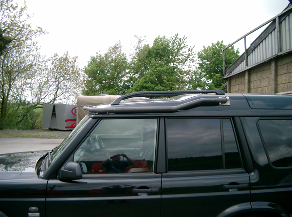 Protection & Performance light bar on Land Rover Discovery 2 - side view