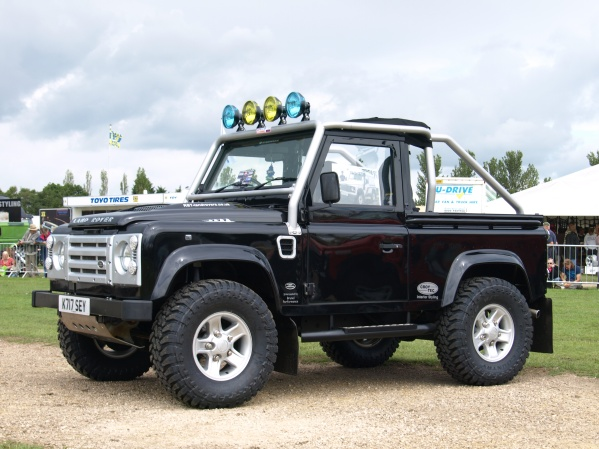 Protection & Performance SVX Replica cage on Land Rover Defender 90